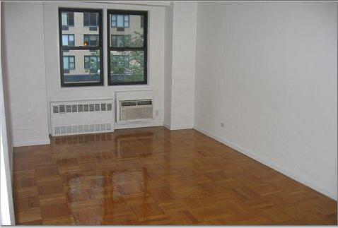 150 East 58th Street Living Room - Gramercy Park Apartment Rentals