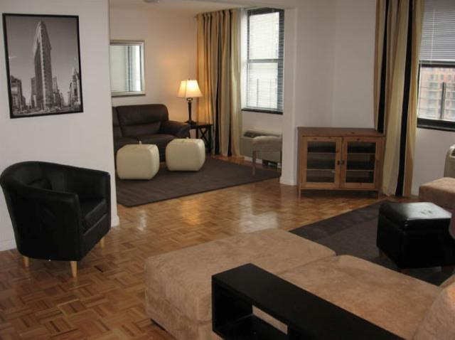 200 Gateway Plaza rental building Living Room – NYC Flats