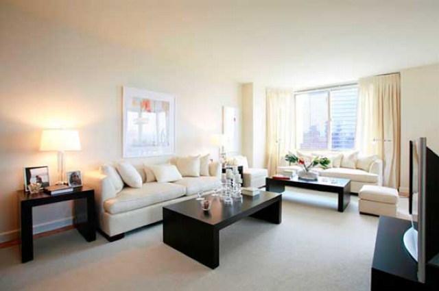 Liberty Plaza rental building Living Room - NYC Flats