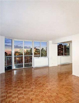 401 East 34th Street Living Room - NYC Rental Apartments