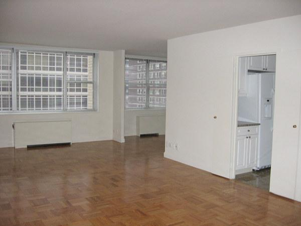 300 East 56th Street Living room – Midtown East Rental Apartments