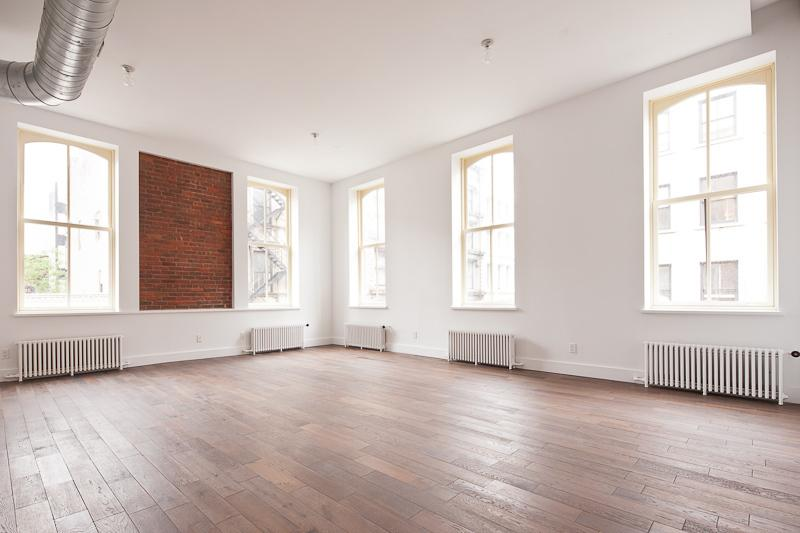 The Constable Living Room - Manhattan Apartments for rent