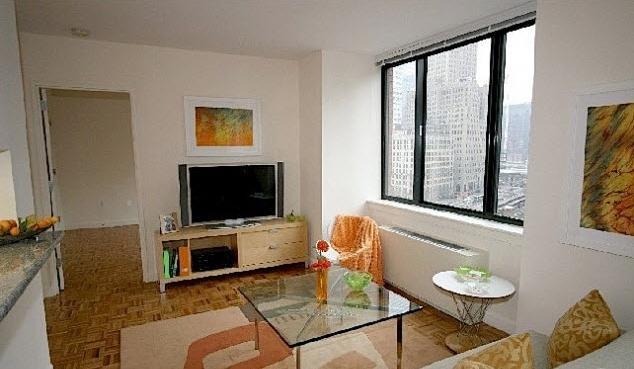 450 North End Avenue Living room - Manhattan Rental Apartments