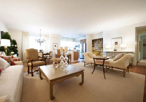 Rental Apartments at 400 West 63rd Street Living Room