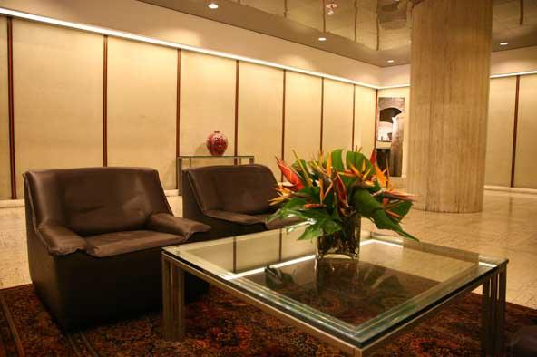 800 Fifth Avenue Sitting Area - Manhattan Apartments for rent