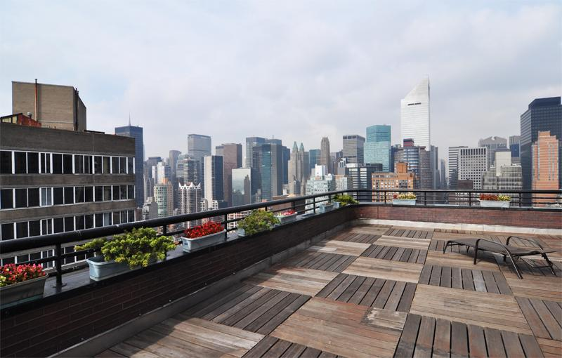 Roofdeck at 415 East 54th Street - St James Tower