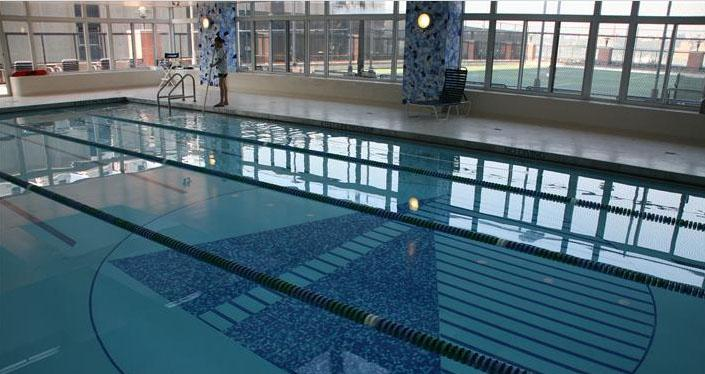 River Place Swimming Pool - Manhattan Apartments for rent