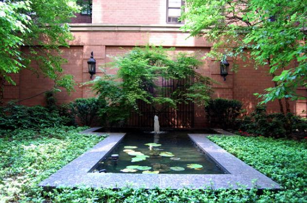 240 East 39th Street Courtyard - Manhattan Rental Apartments