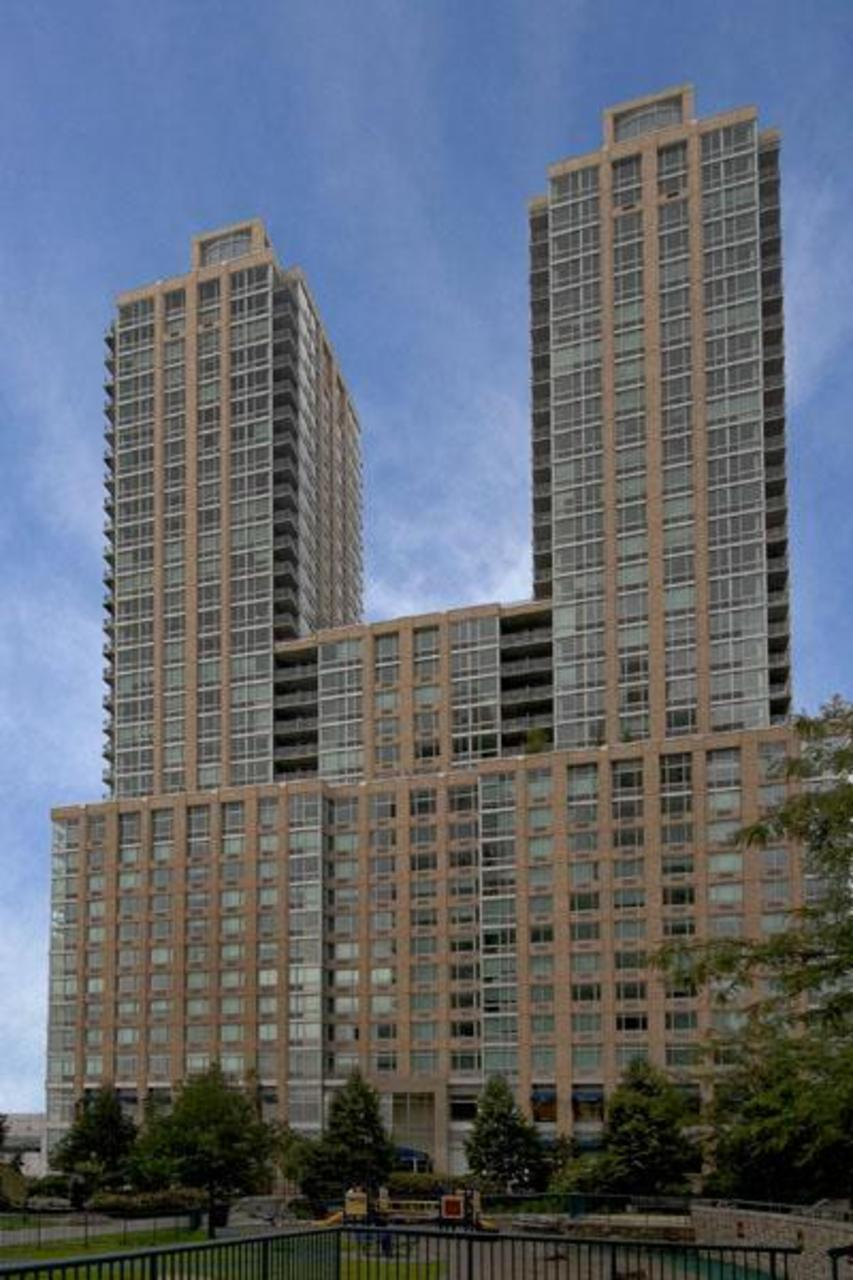101 West End Avenue Building - Upper West Side apartments for rent