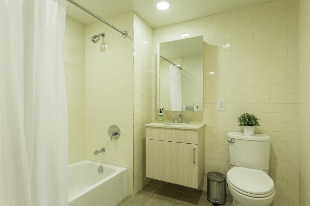 Apartments for rent at Astoria Central - Bathroom