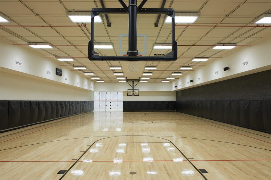Basketball Room - 60 Riverside Boulevard Rentals
