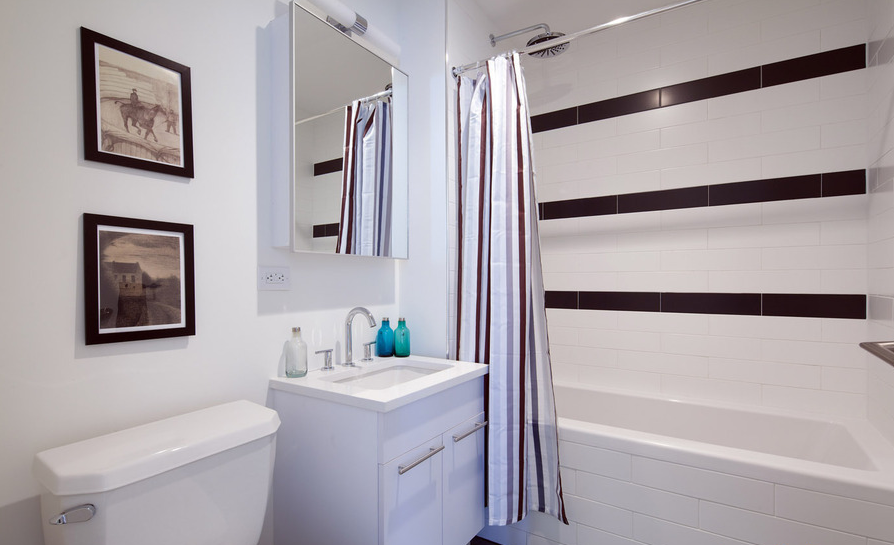 Bathroom - Kent Avenue - Brooklyn - New York City - Apartment For Rent