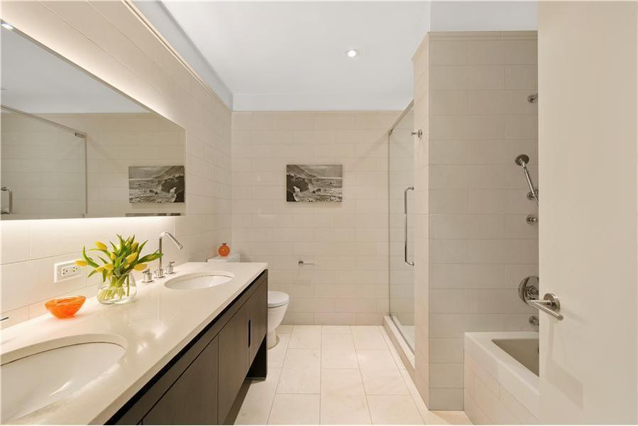 Apartments for Rent in Flatiron District - Bathroom - 225 Fifth