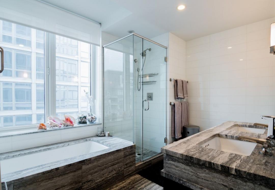 Bathroom at The Rushmore - 80 Riverside Boulevard