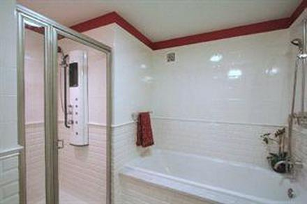 425 Fifth Avenue New Construction Building Bathroom – NYC Condos