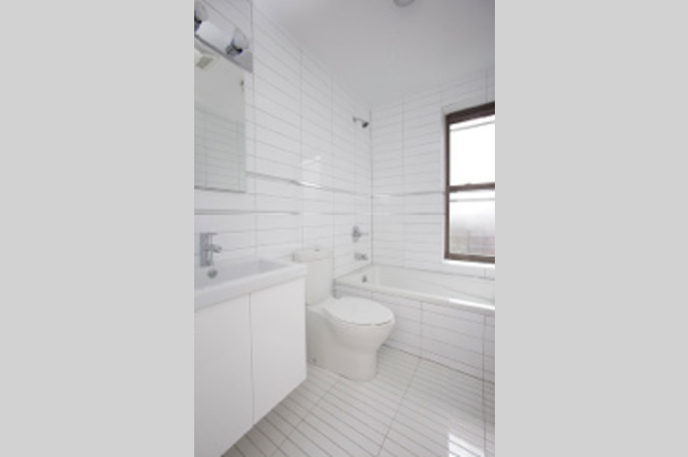 Bathroom - 48 Bedford Street - West Village - Manhattan - NY – Rentals