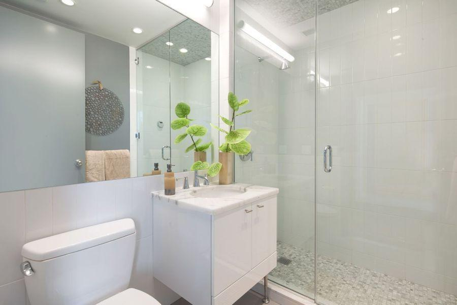 525 Clinton Condos for Rent - Bathroom