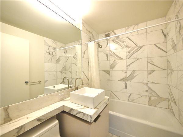 250 East 53rd Street Bathroom - Manhattan Condos for Rent