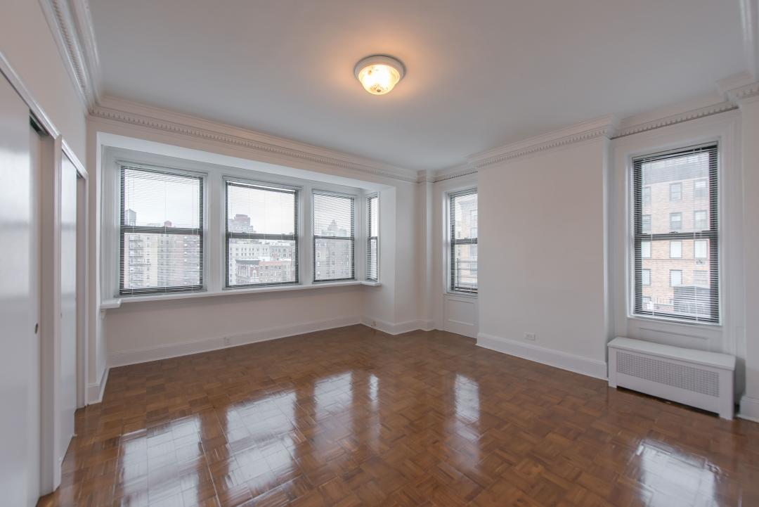 Bedroom at 125 Riverside Drive in NYC - Apartments for rent