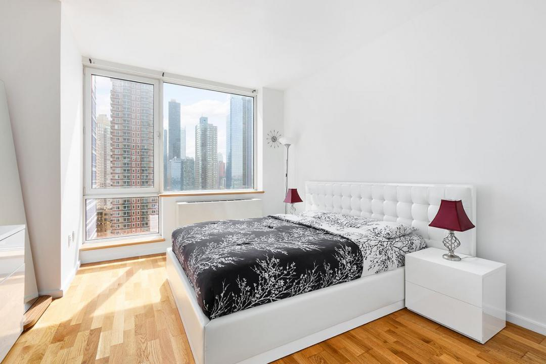 Bedroom at Atelier - 635 West 42nd Street