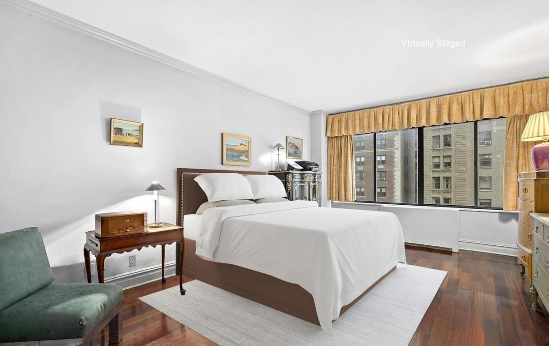 Bedroom at 900 Park Avenue
