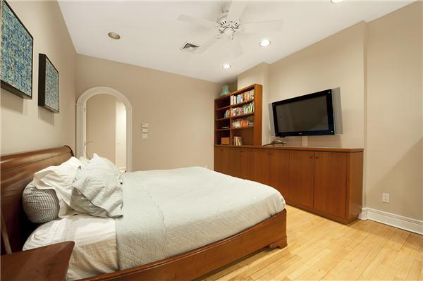 Bedroom- Apartments for Rent in Greenwich Village, 652 Broadway