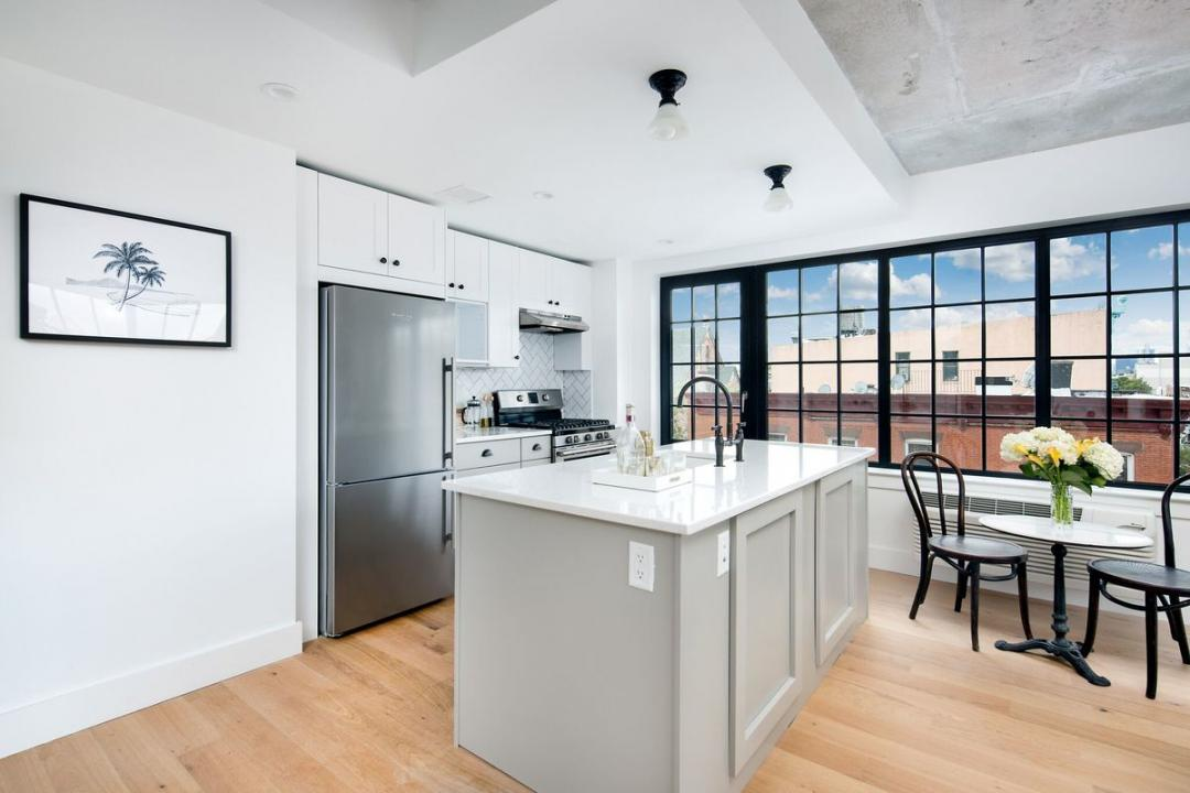Open Kitchen at The Brooklyn Grand in NYC - Apartments for rent