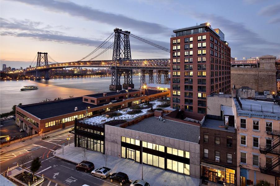 West Broadway Apartments Brooklyn Park