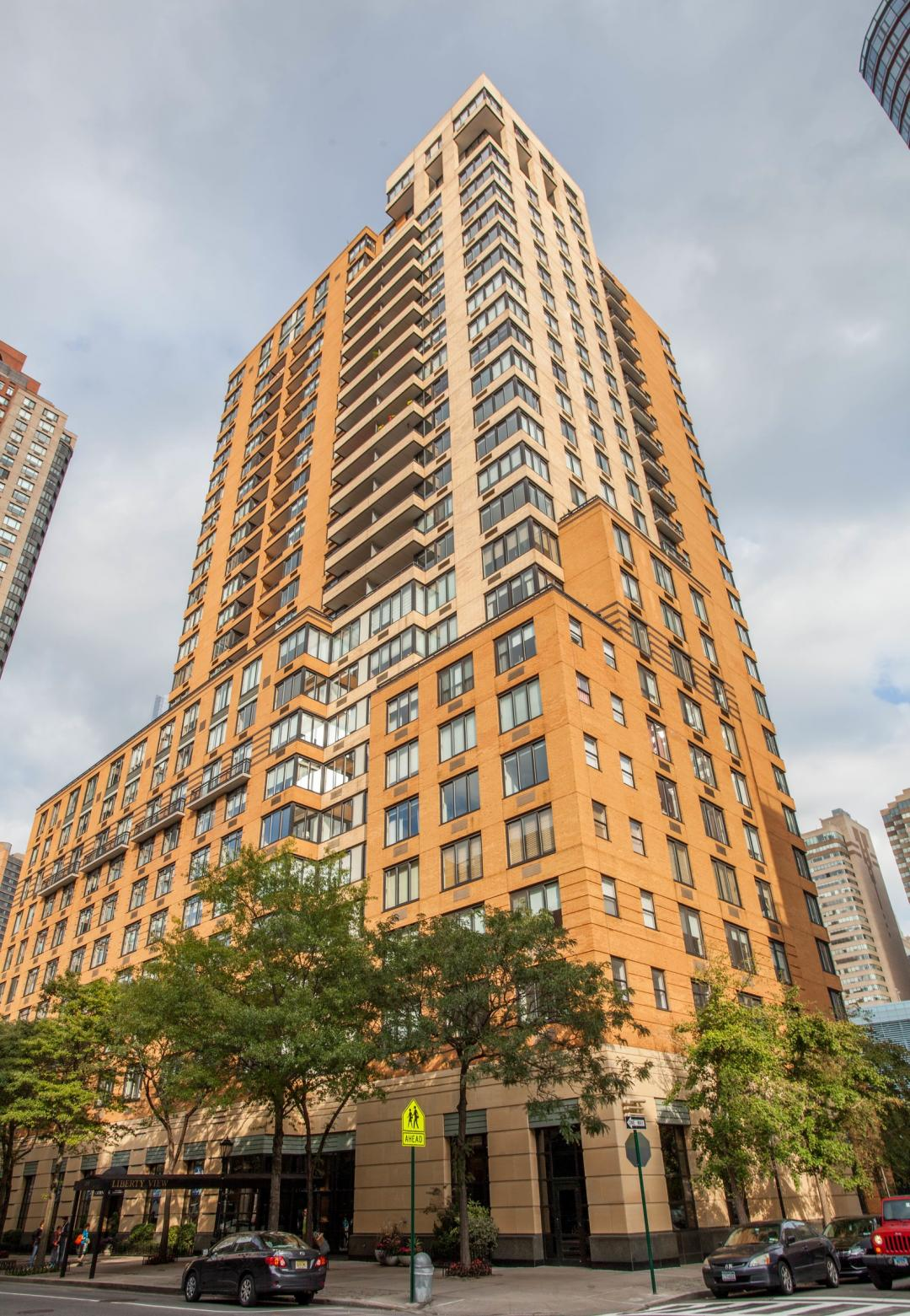Apartments for rent at Liberty View - 99 Battery Place