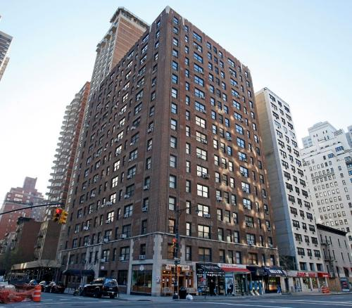 Apartments for rent at Stonehenge 58 - 400 East 58th Street