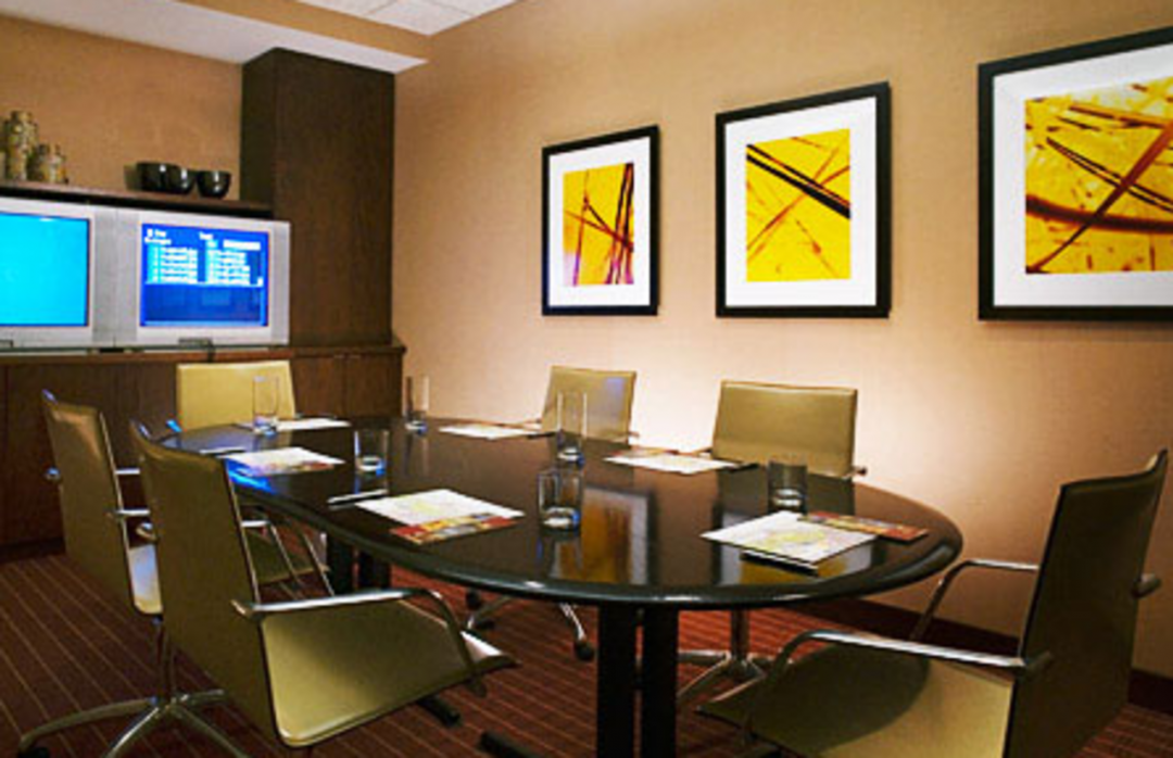 The Westport  Business Lounge - Manhattan Apartments for rent