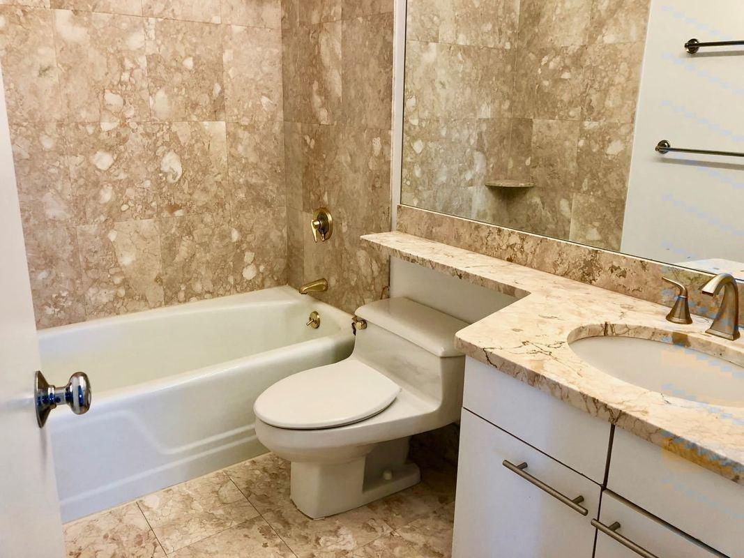Apartments for rent at Central Park Place - Bathroom