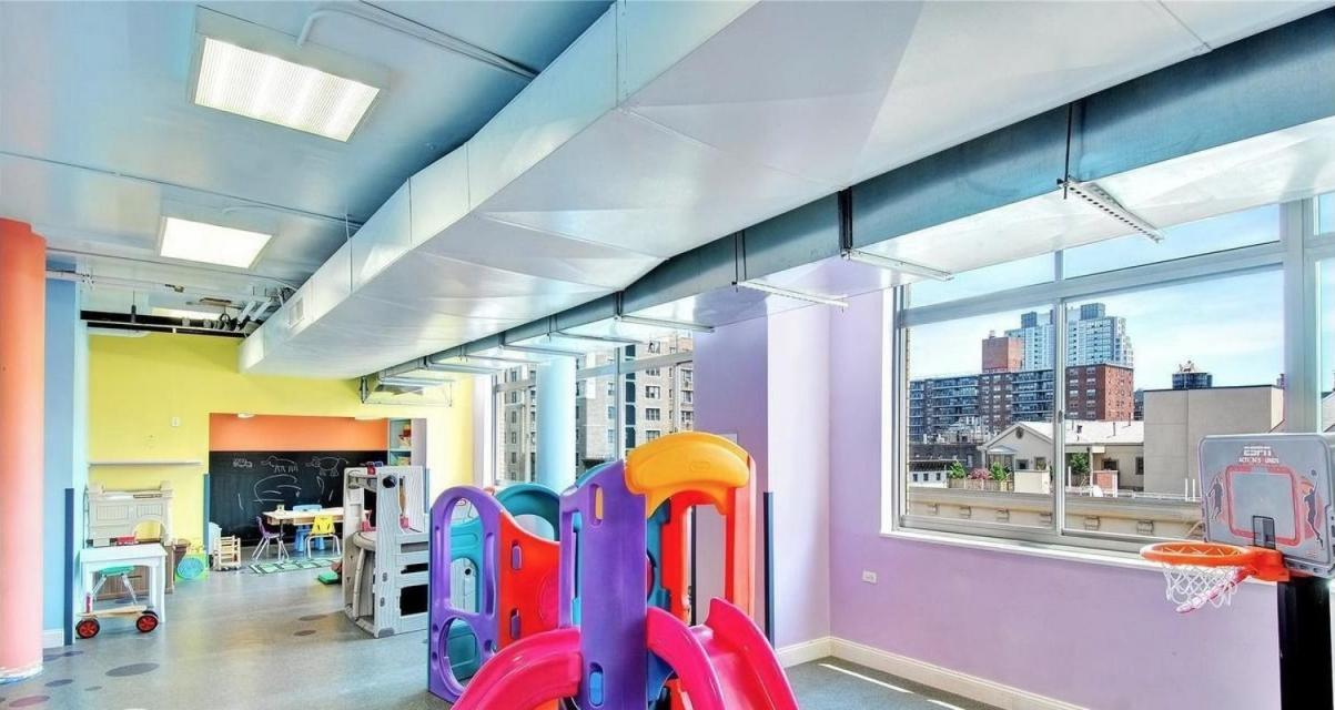 Children's Playroom at The Columbia - 275 West 96th Street