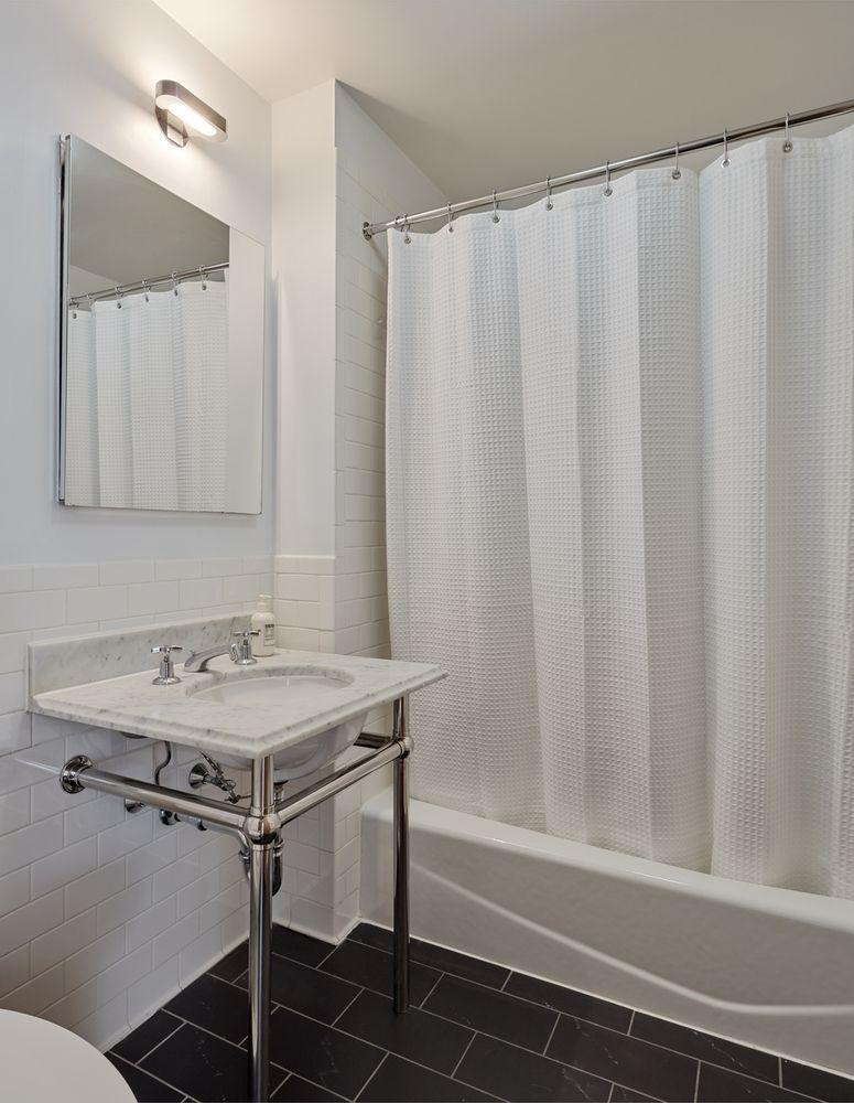 Apartments for rent at Cobble Hill Mews - Bathroom