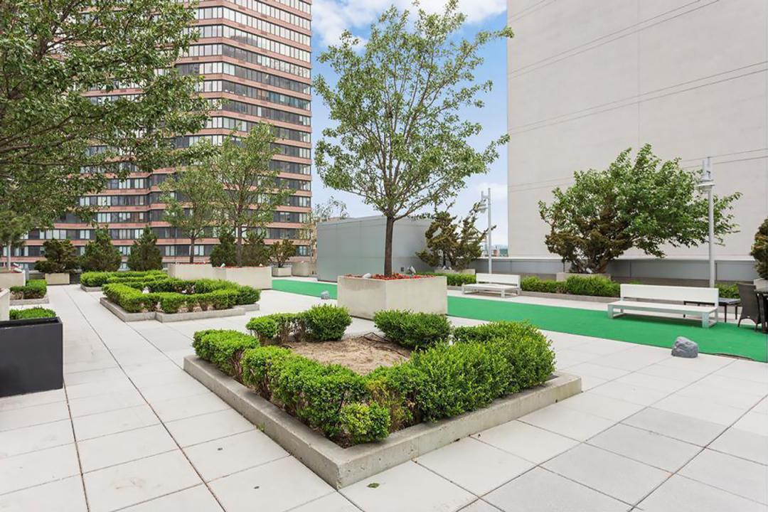 Courtyard at Atelier - 635 West 42nd Street