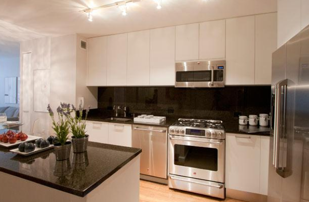 Crystal Green Kitchen - Luxury Midtown Rentals, NYC