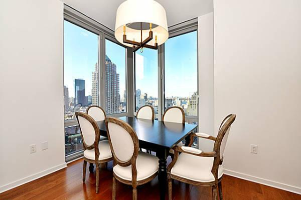 Luxury Rentals at The Link - Midtown West - Dining Area