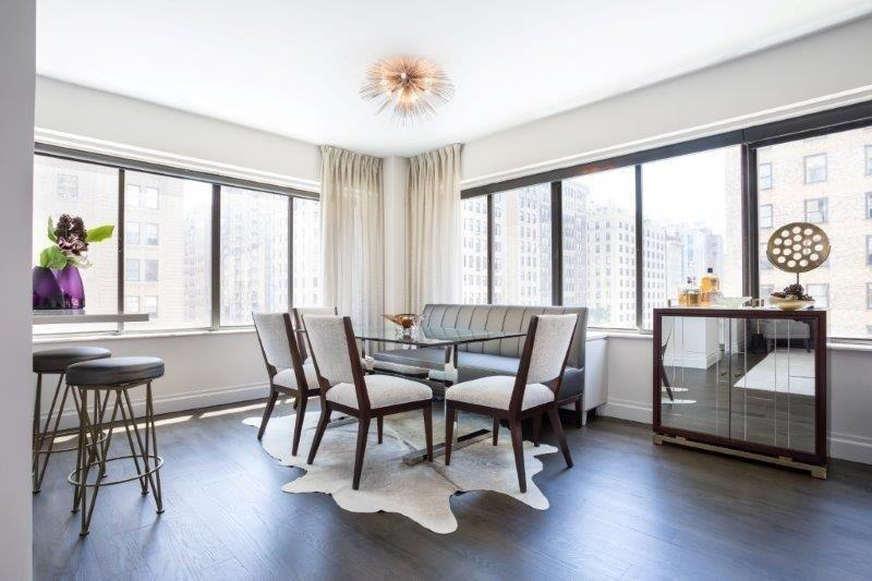 Dining Room at 900 Park Avenue