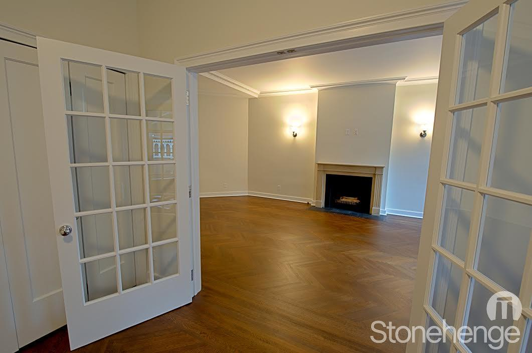 Dining Room- Stonehenge 86- nyc condo for rent