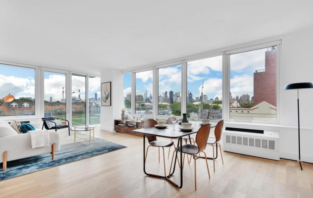 Open dining room with magnificent view of the city
