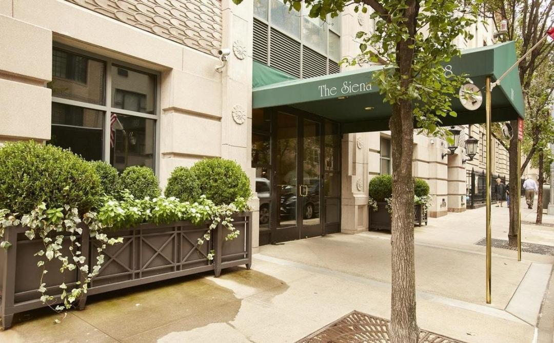 Entrance at The Siena - 188 East 76th Street