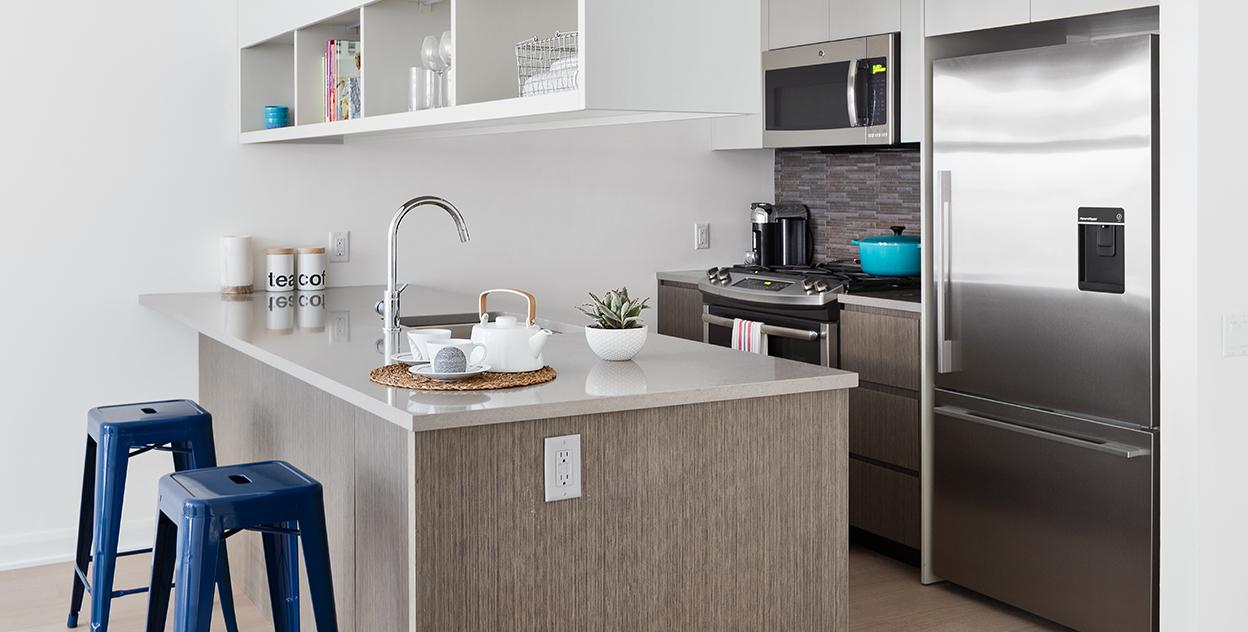 Open Kitchen at 7W21 in Manhattan - Apartments for rent