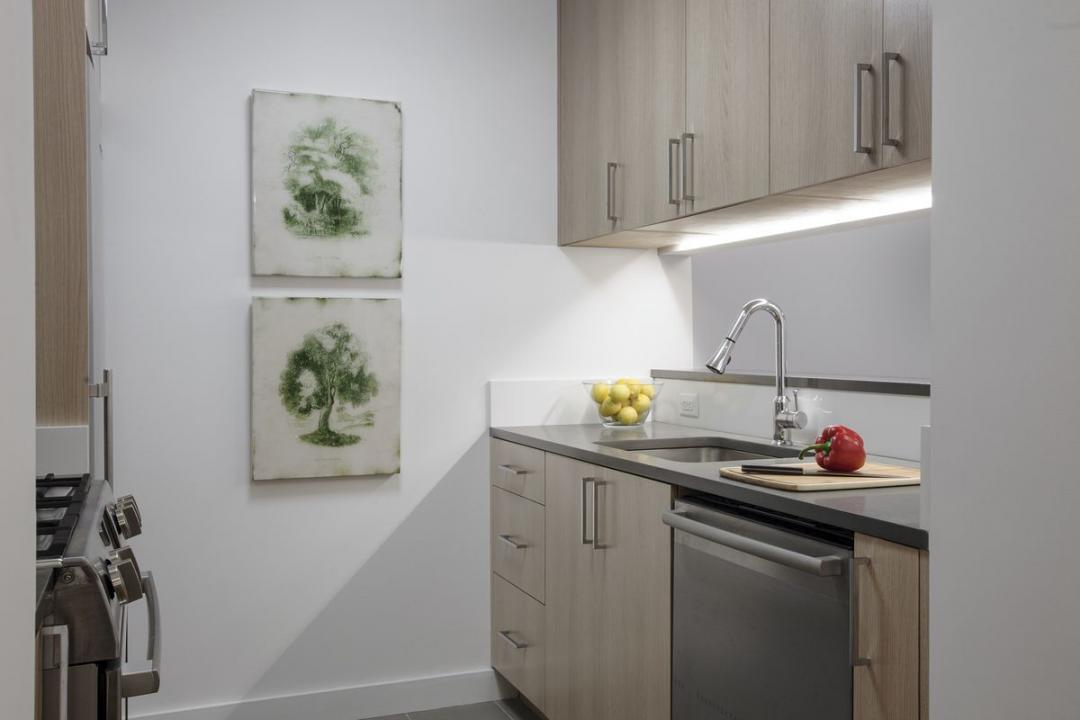 Open Kitchen at 200 East 39th Street in NYC - Apartments for rent