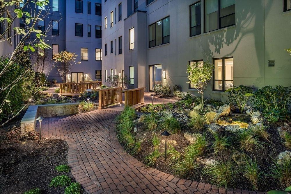 Garden at Nine52 - 416 West 52nd Street