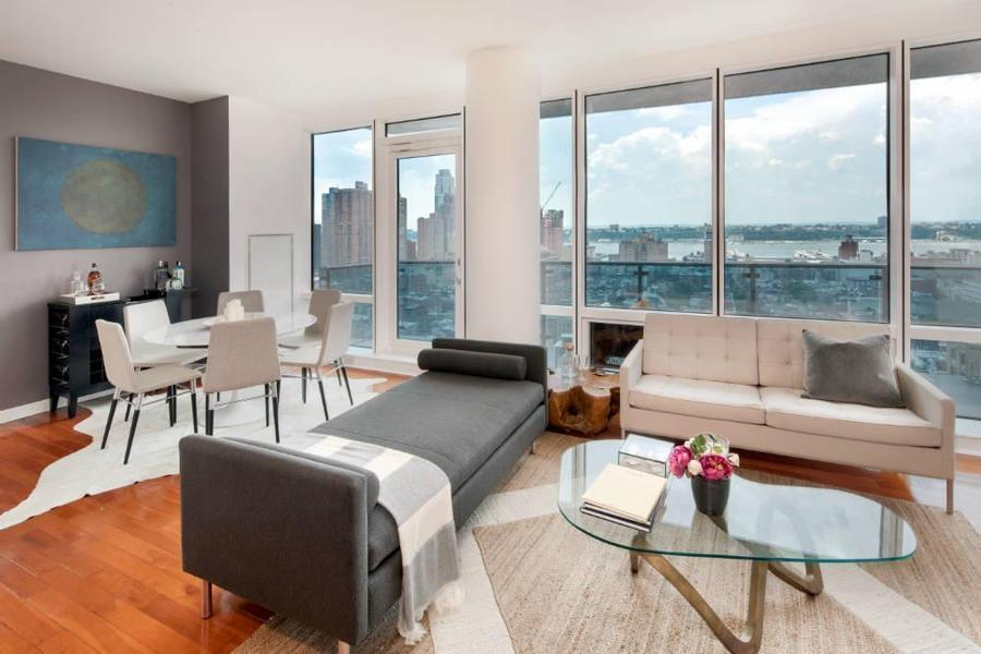 Living Room of 306 West 48th Street - Clinton Luxury Rentals
