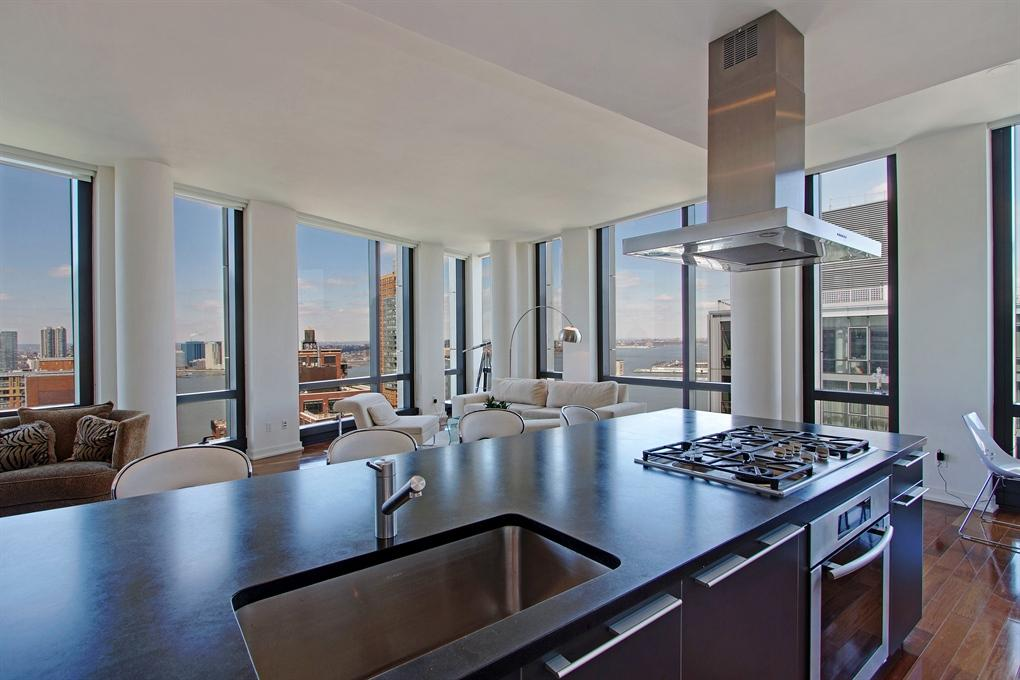 101 Warren Street Kitchen - NYC Condos for Rent