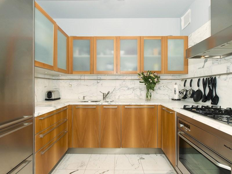 Kitchen at 25 Columbus Circle - Luxury Rentals in Manhattan