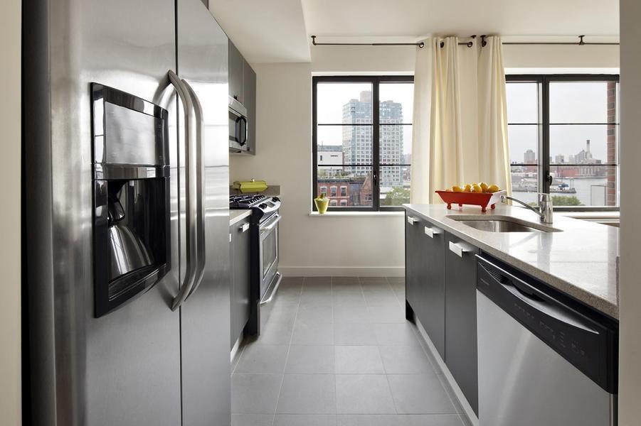 389 Kent Avenue Williamsburg - Kitchen