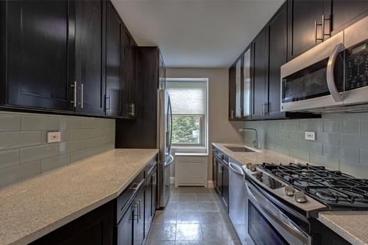 Kitchen - Independence Plaza - Tribeca - Apartment For Rent