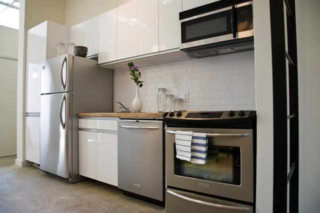 Rentals at 44 Berry Street in NYC - Open Kitchen